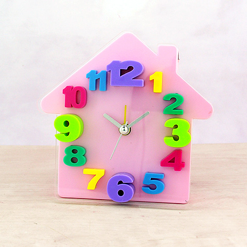 - Alarmlı 3D Ev Masa Saati