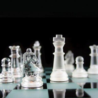 - Cam Satranç Takımı