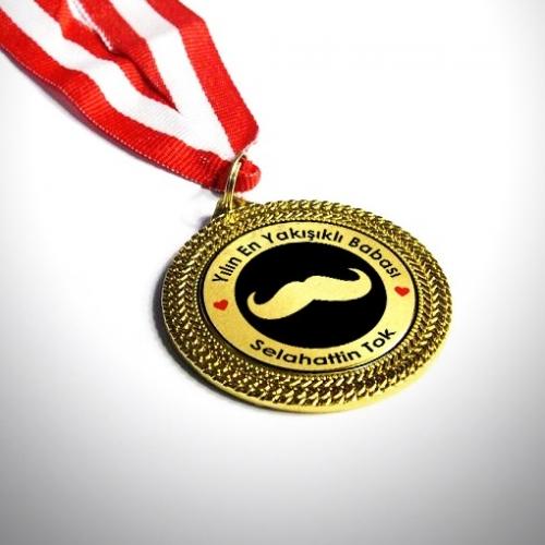 - Dünyanın En Yakışıklı Babası Madalyası