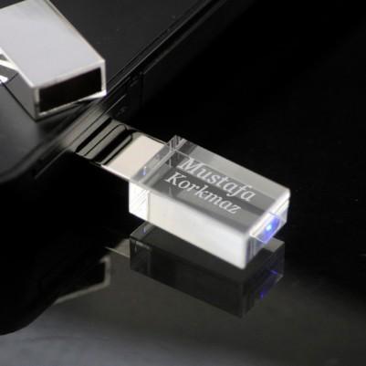 - Kişiye Özel LED Işıklı USB Bellek