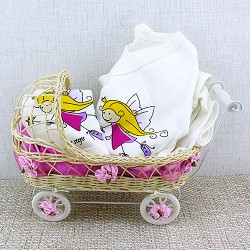 - Kız Bebeklere Hastane Çıkışı Hediye Sepeti