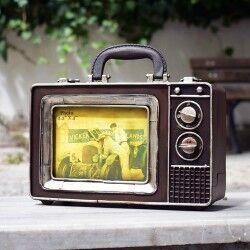 - Nostaljik TV Tasarımlı Metal Çanta