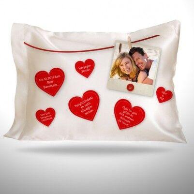 - Sevgiliye Özel Mesajlı Kalpler Yastık