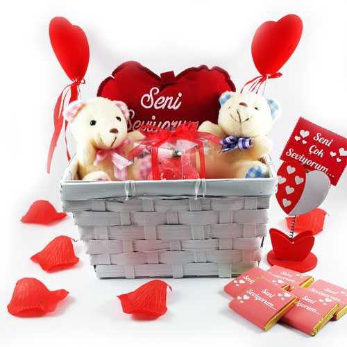 Sevgiliye Özel Romantik Aşıklar Hediye Sepeti