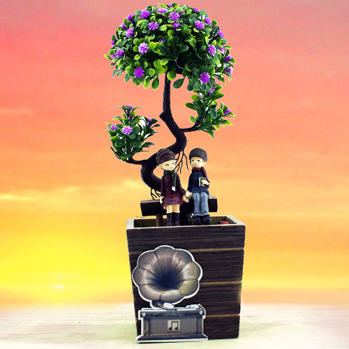Ağacın Altındaki Sevgililer Dekoratif Biblo