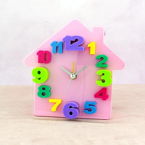 Alarmlı 3D Ev Masa Saati