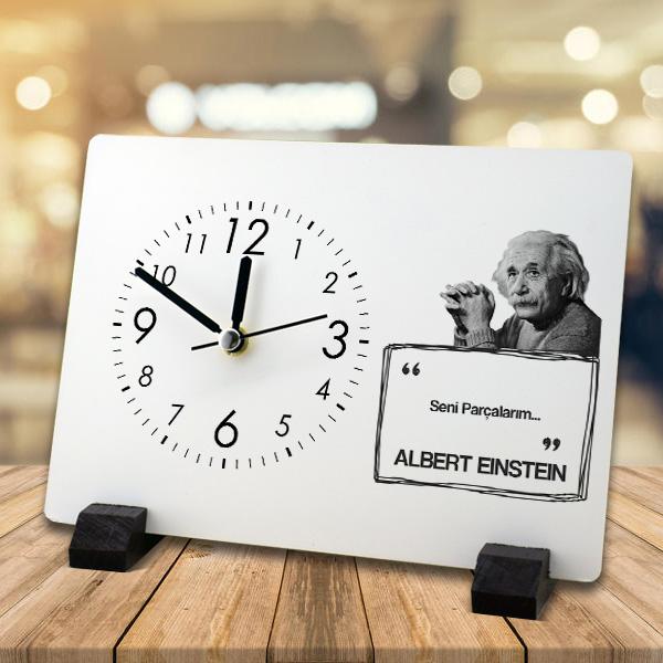 Albert Einstein Esprili Masa Saati