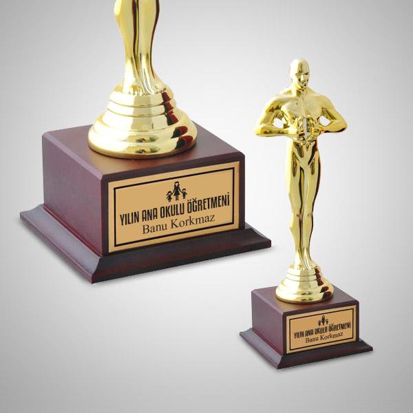 Anaokulu Öğretmenine Hediye Oscar Ödülü