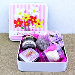 Anneme Özel Çiçekli Hediye Kutusu - Thumbnail