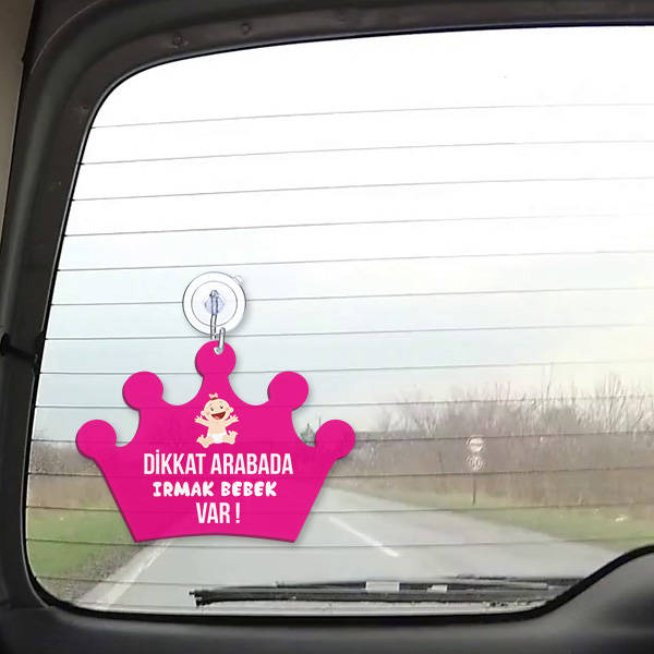 Arabada Kız Bebek Var Oto Cam Süsü