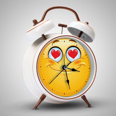 - Aşık Emoji Alarm Saat