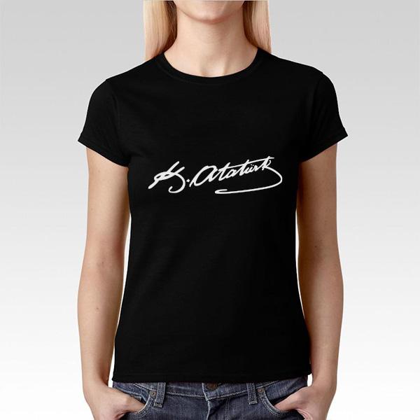 Ata İmzalı Bayanlara Özel Siyah Tişört