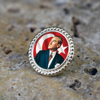 - Atatürk Resimli Ceket Yaka Rozeti