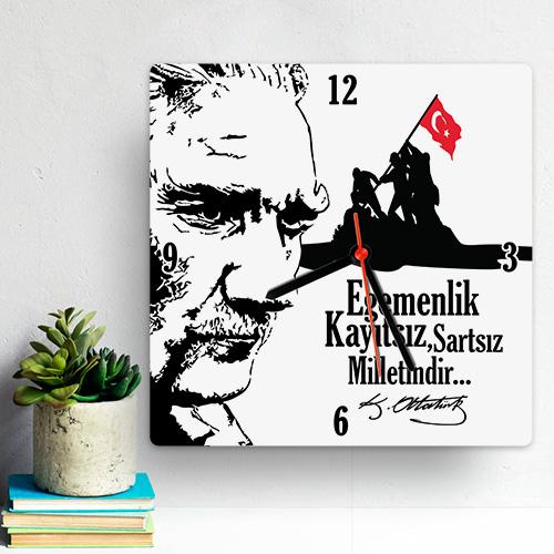 Atatürk ve Bağımsızlık Temalı Duvar Saati