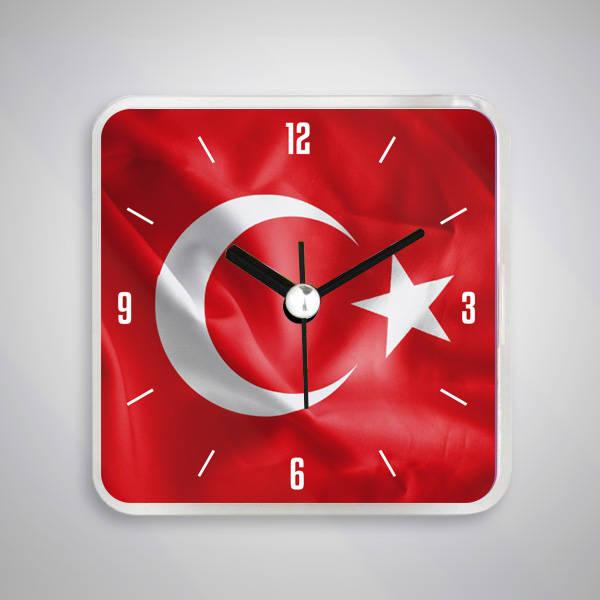 Ay Yıldızlı Türk Bayrağı Saatli Buzdolabı Magneti