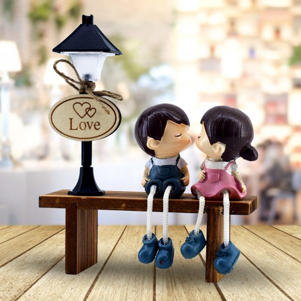 Banktaki Aşıklar Romantik Işıklı Biblo