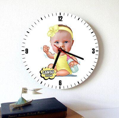 - Biberonlu Bebek Karikatürlü Duvar Saati