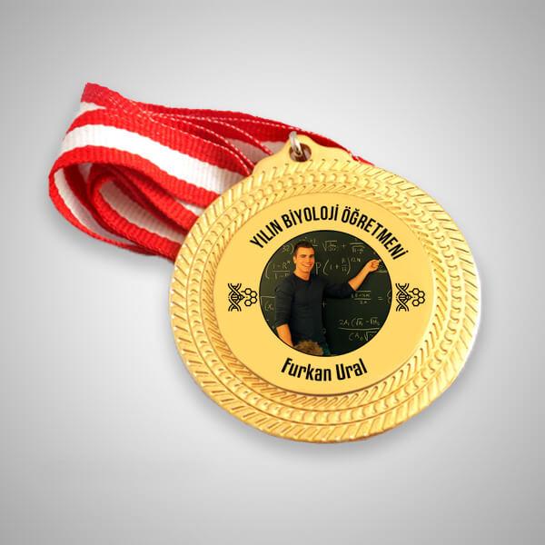 Biyoloji Öğretmenine Hediye Madalyon