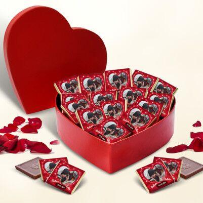 - Bizim Güzel Aşkımız Kalp Kutuda Çikolatalar