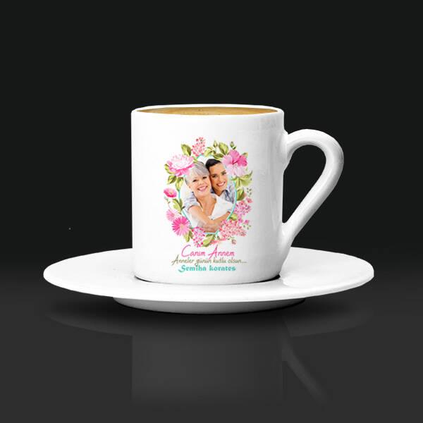 Çiçek Desenli Fotoğraflı Kahve Fincanı