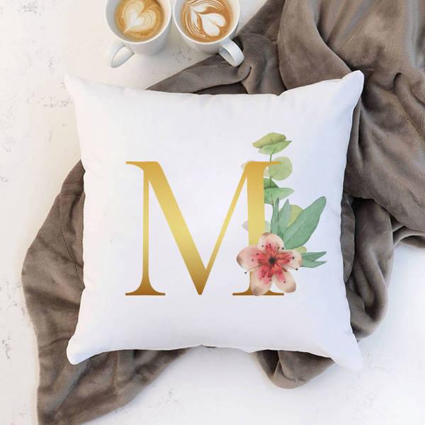 Çiçek Desenli Harfli Yastık
