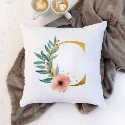- Çiçek Desenli Harfli Yastık