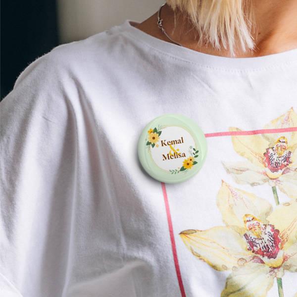 Çiçek Desenli İsme Özel Buton Rozet