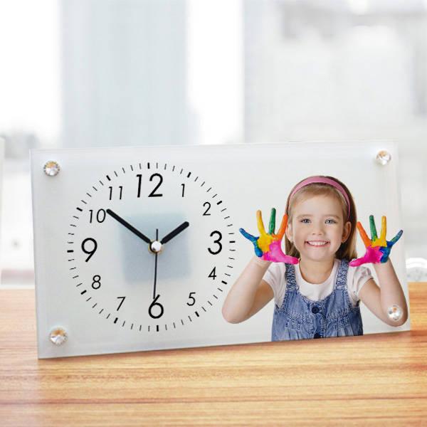 Çocuklara Özel Cam Masa Saati