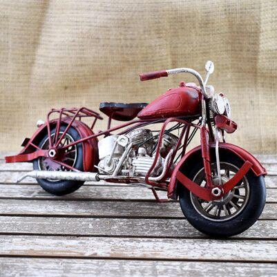 - Dekoratif Nostaljik Kırmızı Motosiklet