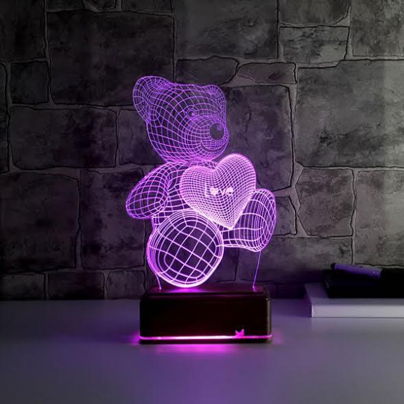 Elinde Kalp Taşıyan Sevimli 3D Led Lamba Ayıcık