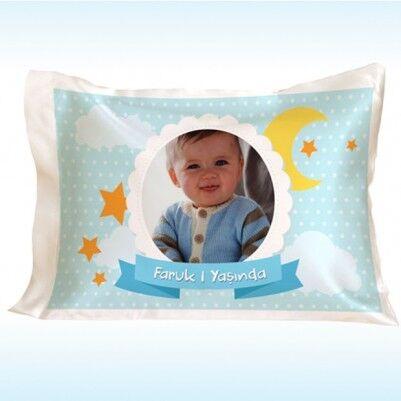 - Erkek Bebeklere Özel Yaş Günü Yastığı