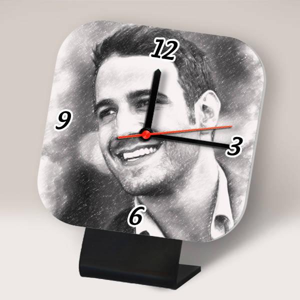 Erkeklere Özel Karakalem Efektli Masa Saati