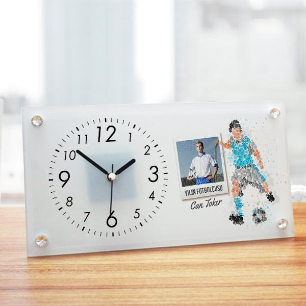 Futbolcuya Hediye Cam Masa Saati