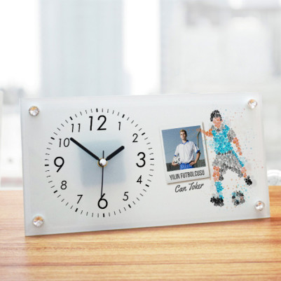 - Futbolcuya Hediye Cam Masa Saati