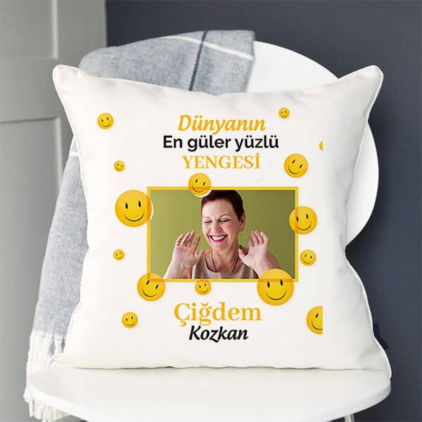 Güler Yüzlü Yengem Yastık