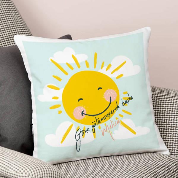 Güne Gülümseyerek Başla Yastık