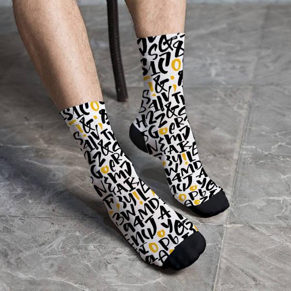 Harf ve Rakam Kombinasyonu Çorap