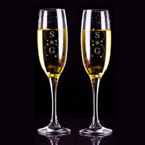 - İsim Baş Harfli Hediyelik 2'li Şampanya Kadehleri