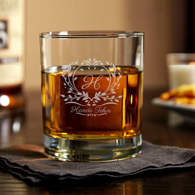 - Kadına Hediye İsme Özel Viski Bardağı