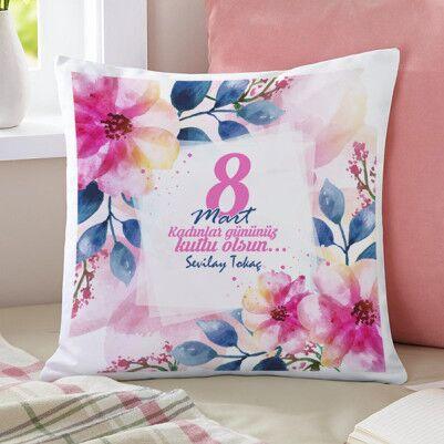 - Kadınlar Çiçektir 8 Mart Temalı Yastık