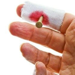 Kanlı Çivi Şakası - Çivili Sargı Bezi - Thumbnail