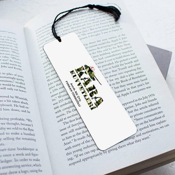 Kara Kuvvetlerine Hediye Kitap Ayracı