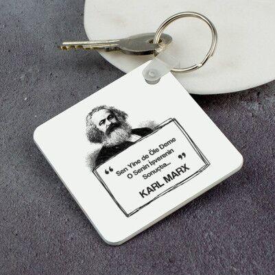 - Karl Marx Esprili Anahtarlık