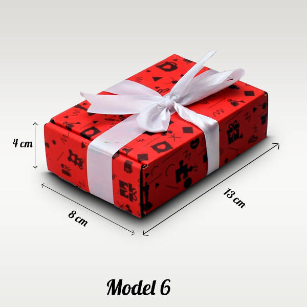 Kırmızı Karton Hediye Kutuları