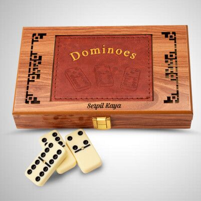 - Kişiye Özel Ahşap Domino Seti