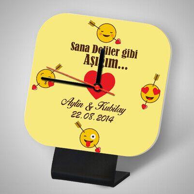 - Kişiye Özel Aşık Emoji Kare Masa Saati