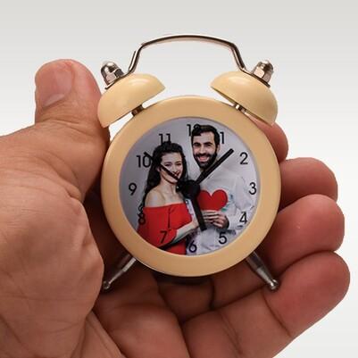 - Kişiye Özel Fotoğraflı Bej Mini Çalar Saat