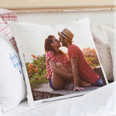 - Kişiye Özel Fotoğraflı Kare Yastık