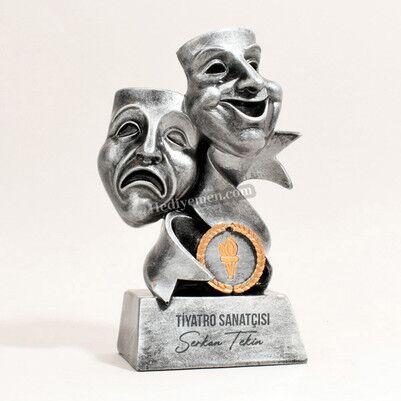 - Kişiye Özel Tiyatrocu Ödülü