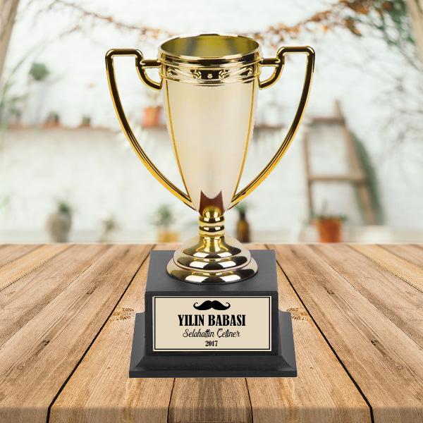 Kişiye Özel Yılın Babası Ödül Kupası